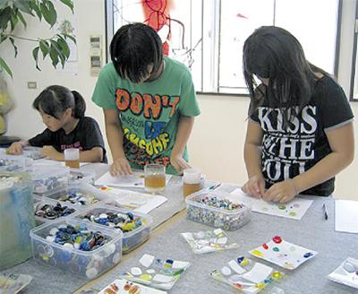 市内ガラス工房で子ども向け体験教室