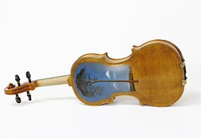 被災木材でバイオリン