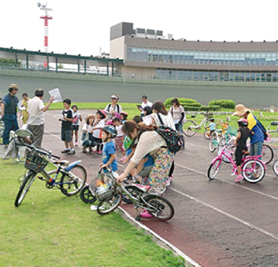 競輪場で自転車教室