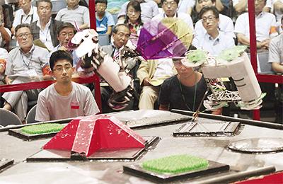 ロボット技術競い合う