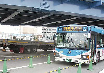 市バスの運転通じ安全啓発