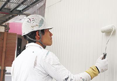 「外壁は塗る前の準備が大切です」