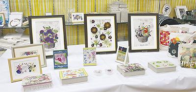 恒例の押し花作品展