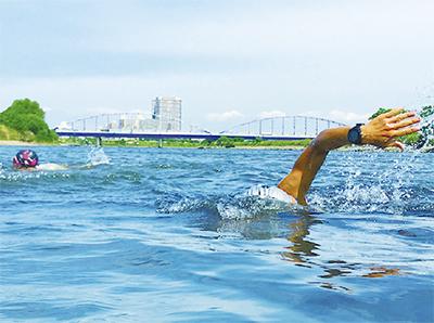 多摩川でトライアスロン