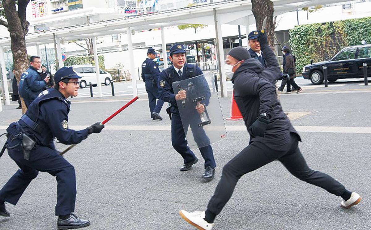 迫真のテロ訓練
