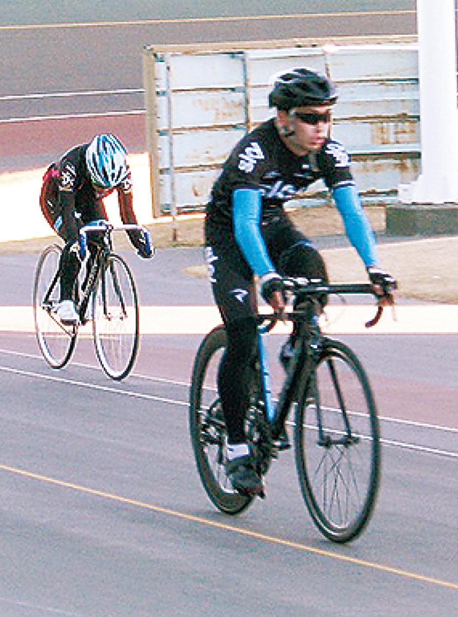 競技自転車でバンク走ろう