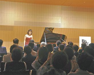 コンサートを終え、笑顔の小川典子さん