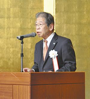 取組の成果を強調する梶川会長