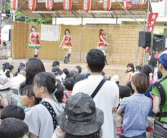 盛り上がりを見せた川崎純情小町のステージ
