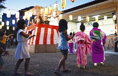 杉山神社で盆踊り