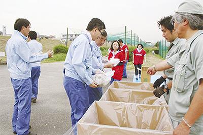 多摩川を清掃