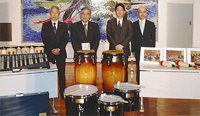ミューザ川崎に楽器寄贈