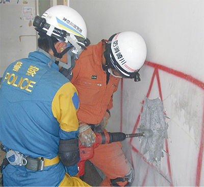 旧区役所で防災訓練