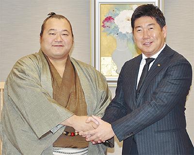 豊ノ島関が福田市長を訪問