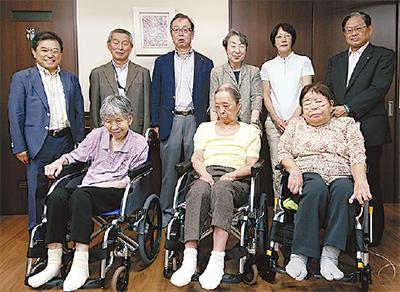 介護施設に車椅子寄贈
