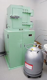 検査するゲルマニウム半導体検出器