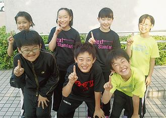 (前列左から)市川君、金子君、伊藤君