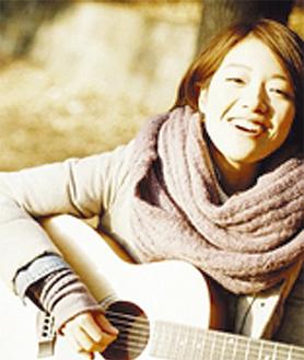 大江さんは市内出身のシンガー