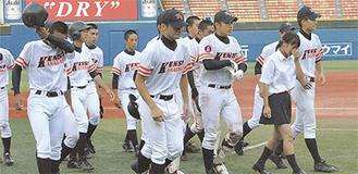 県立相模原高校は準々決勝で強豪・横浜高校に敗れるも、創部以来初のベスト8で大会を終えた。
