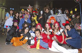 さまざまなキャラクターがパーティーを盛り上げた