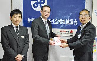 高部常務理事(右)と千代田セレモニースタッフ