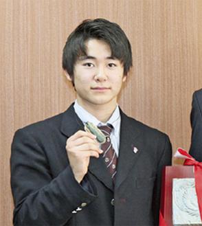 加山市長のもとを訪れた戸塚君