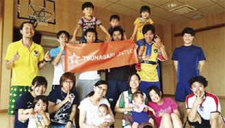 児童養護施設の子どもと交流するメンバー