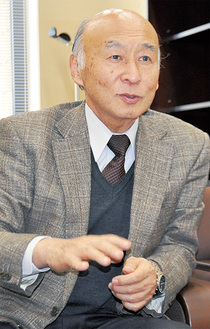 新学部への思いを語る鈴木教授