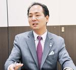 唐橋二之業務推進事業部長/高校、大学と米国で学び、その後、自動車製造メーカーに勤務。外資系企業日本法人で日本支社長などを歴任し、現在は同社の業務推進事業部長や関連会社取締役を務める。