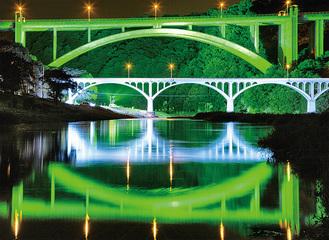 幻想的な小倉橋のライトアップ