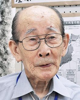 勤労動員として生きぬいた戦中について話す涌田さん=5日、相武台公民館