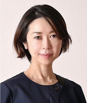 インタビューに答える山瀬美紀新院長=晃友脳神経外科眼科病院