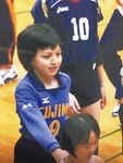 市内大会の開会式に参加する小学4年生の籾井さん=チーム関係者提供