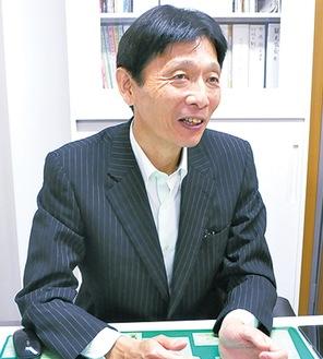 取材に応じる中島伸幸市観光協会専務理事