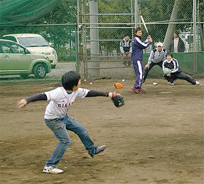 巨人軍選手と野球で交流