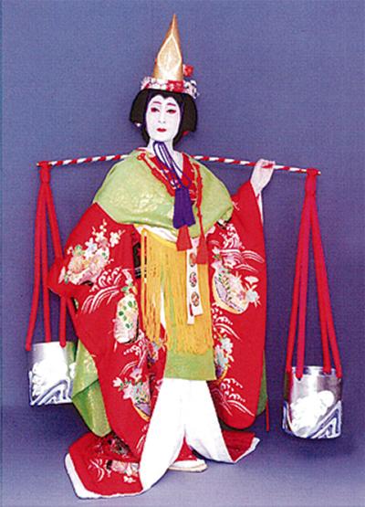 華麗なる日本舞踊を披露