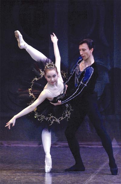 創作バレエを披露