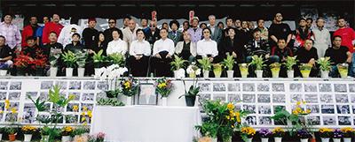 デコトラで菅原さん追悼