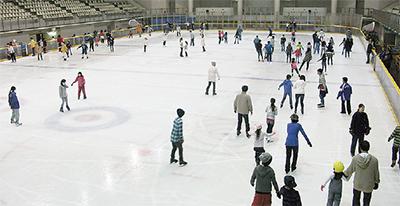 スケート場、20日オープン