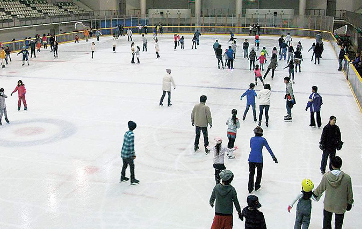 スケート場がオープン