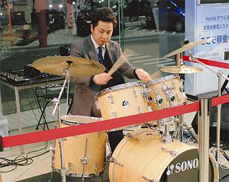 小林さんはロックからポップス、ジャズ、アイドル系までこなす=1月24日