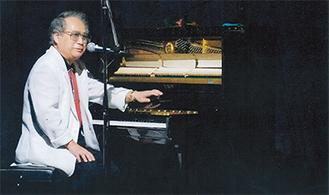 瀬川瑛子さんらの作曲も務める講師の津軽けんじさん