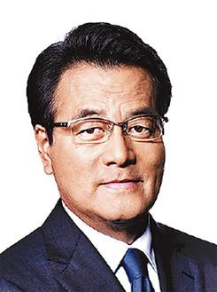 講演する岡田克也氏