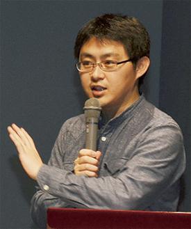 講演する藤田氏