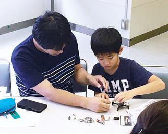 親子で参加できるドローンの組立・飛行教室も開催
