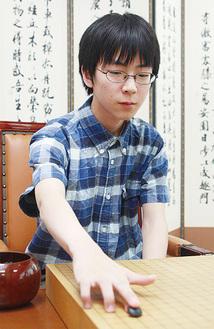 幼い頃から棋士を目指していた虎丸さん=龍之介さん提供