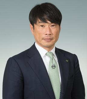 ◆プロフィール:名古屋グランパス入団後、日本代表でも活躍。2008年にSC相模原を創設。現在会長としてチームを率いる。