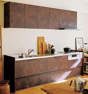 家具に溶け込むシステムキッチン・ラクエラ