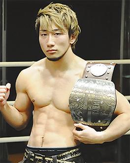 藤原選手は埼玉県出身。21歳の時に秋本道場の門を叩き、現在はコーチとして後進の指導にもあたっている。
