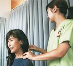 鍼灸師が体の状態を細かくチェックしながらサポート
